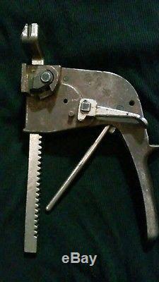 A. J. Gerrard & Co Model 1902D Steel Strapping Tool Push Bar Banding Tensioner