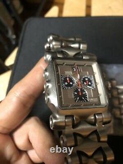 RARE Oakley Minute Machine Titanium Men's Watch TIME TANK withextra Strap READ